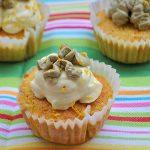Mrkvové cupcakes se šafránovým krémem