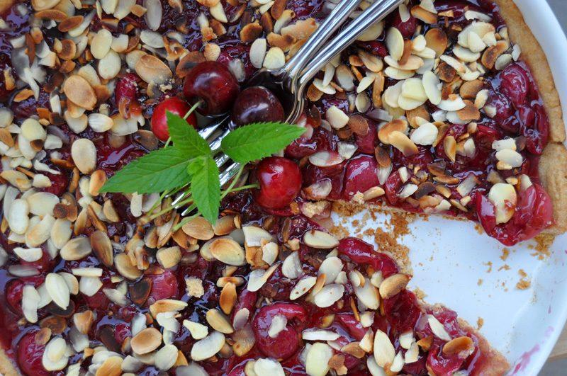 Bezlepkový třešňový chilli koláč