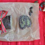 Raw cukroví: roláda z kešu a semínek a makovo-mandlové koule
